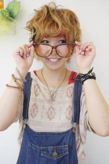 http://www.b2c.jp/blog/megane8.jpg